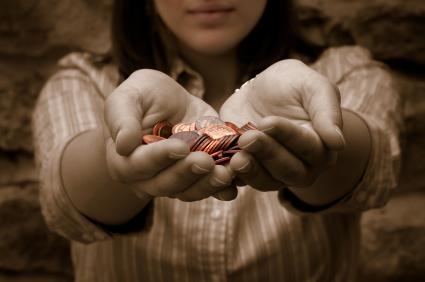 Хората са щедри, преди да се замислят.