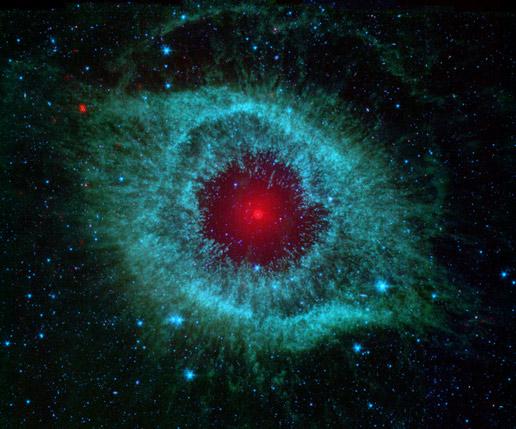 Мъглявината Хеликс в съзвездие Водолей. Снимка: NASA/JPL-Caltech/Univ.of Ariz