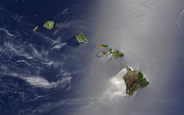 Ивица светлина над Хаваите. © NASA
