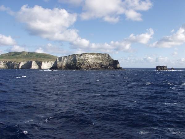 Остров Маколи – калдерата, образувала се след изригването на едноименния подводен вулкан преди 6100 години.© Ian Wright and Colin Wilson