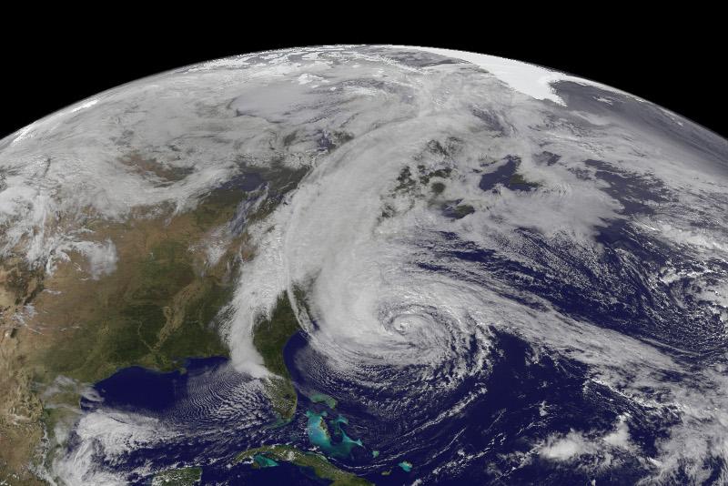 © NOAA/NASA