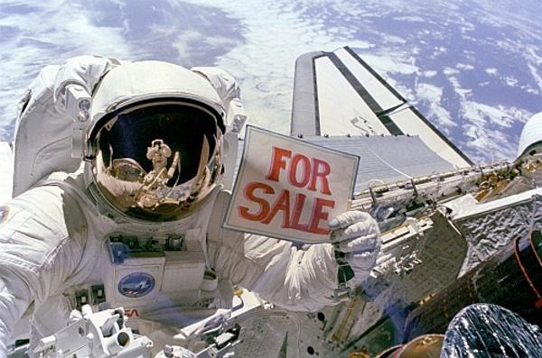 © NASA, S. Armstrong et al.