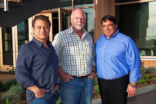 От ляво на дясно: Питър Диамандис, Крейг Вентър и Робърт Харири.© Brett Shipe
