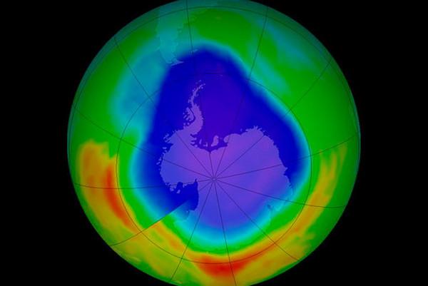 Резултат с изображение за озоновия слой на атмосферата на Земята