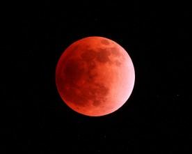 Лунното затъмнение на 8 октомври ще затъмни и Уран