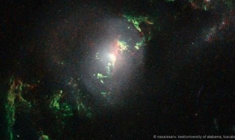 Странни зелени обекти, летящи из Космоса