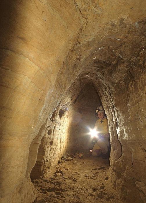 тунели от каменния век