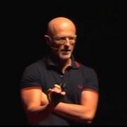 Неврохирургът Серджо Канаверо призова американците да подкрепят трансплантацията на глава. YouTube