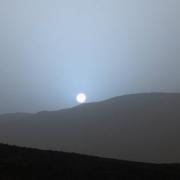 Ето така изглежда залезът на Марс. © NASA/JPL-Caltech/MSSS/Texas A&M Univ.