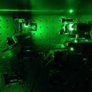 Инсталацията за свиване на единични частици светлина. © Mete Atature