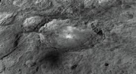 Кратерът Окатор има диаметър 90 км и дълбочина 4 км. © NASA/ JPL-Caltech/UCLA/MPS/DLR/IDA/LPI