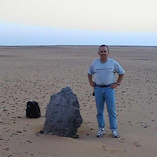 """Томас Брофи – главният привърженик на """"космическата"""" версия."""