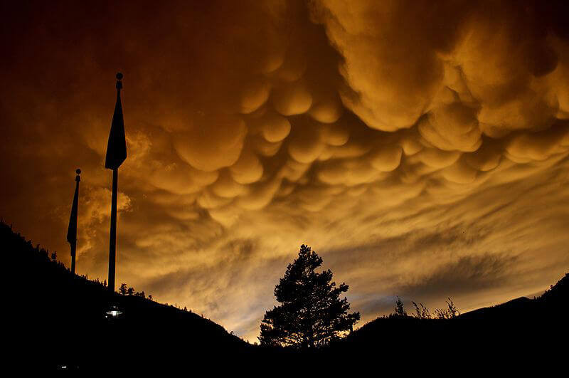 вимеобразни облаци, тръбовидни облаци