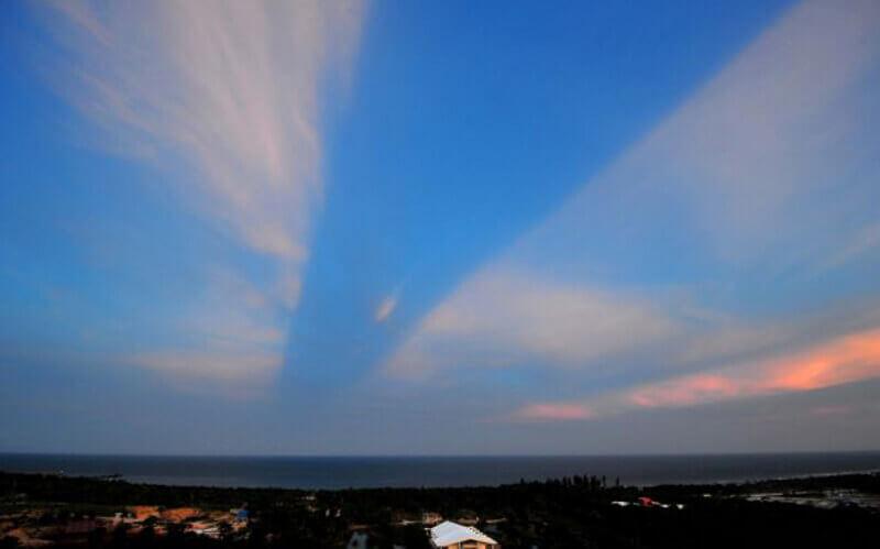 път в небето, облаци