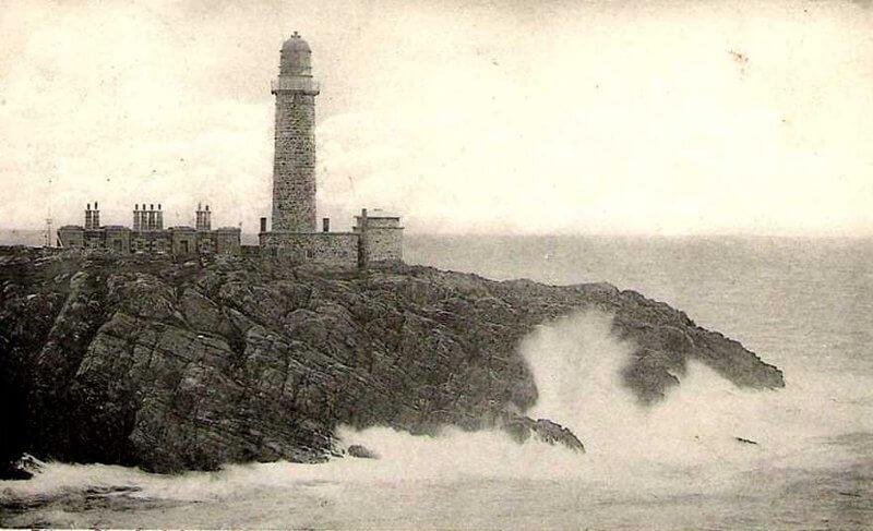 Историческа снимка на фара на остров Ейлин Мор.