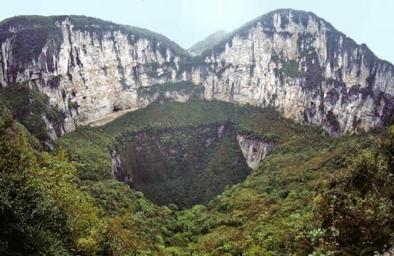 Небесната бездна, Китай
