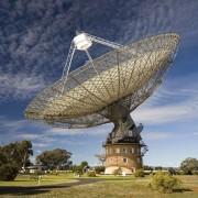 Антената на 64-метровия радиотелескоп Паркс. © CSIRO
