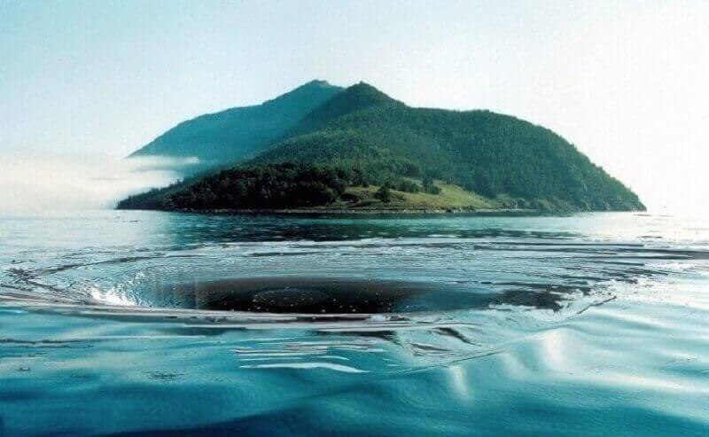 водовъртеж, дупка във водата, Байкал