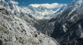 Хималаите растат