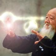 """""""Обменям енергия с животните и те заспиват"""", казва Канзава Сенсей. © Waking Times"""