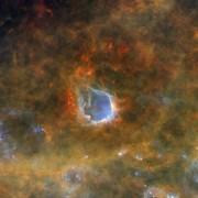 Емисионната мъглявина RCW 120. © ESA/Herschel/PACS, SPIRE/Hi-GAL Project