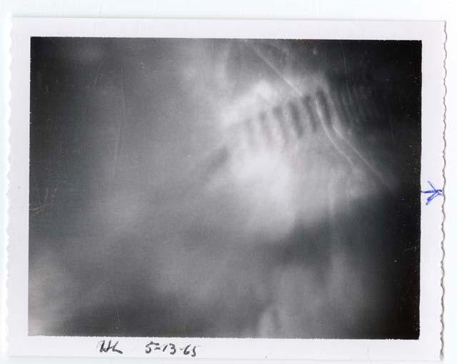 """""""Партенон"""" (1965), образ от колекцията мислографии на Тед Сериос, направен от Жул Айзенбуд."""