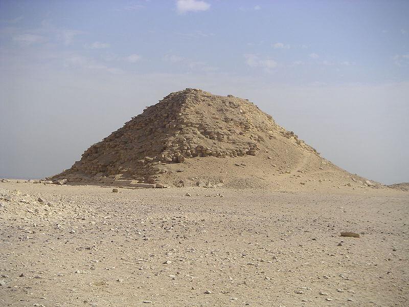 Пирамидата спътник. Wikimedia Commons