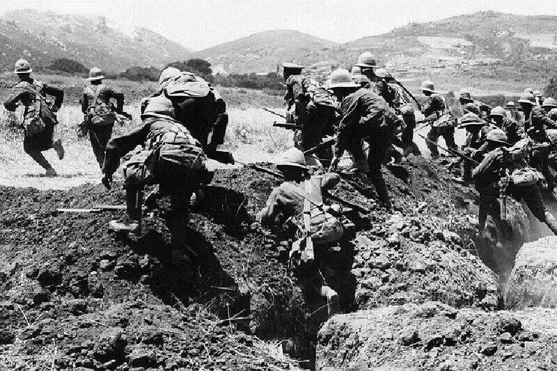 Боен отряд на батальона на Норфолкския полк на британската армия, според слуховете, бил похитен от извънземни при злополучна кампания под Галиполи.