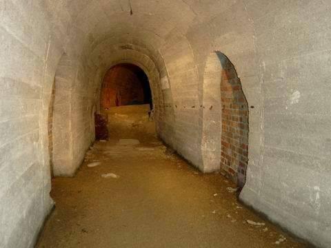 нацискти подземен тунел