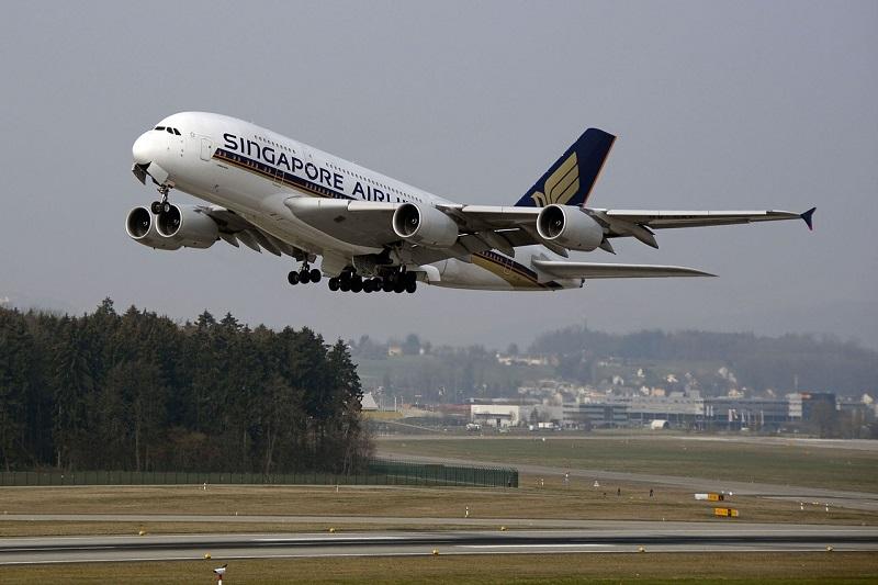 aircraft-1456706_1280