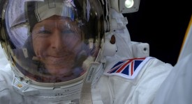 ESA / Tim Peake / Spacewalk selfie