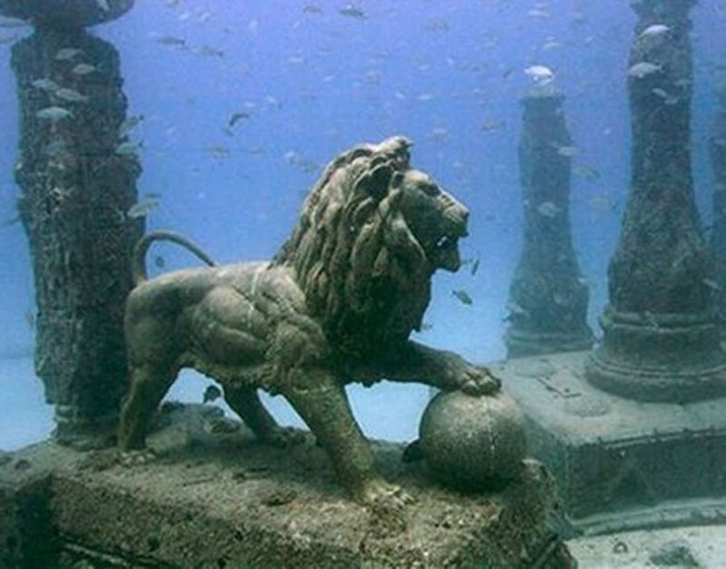 underwater-cities-Cleopatras-Palace