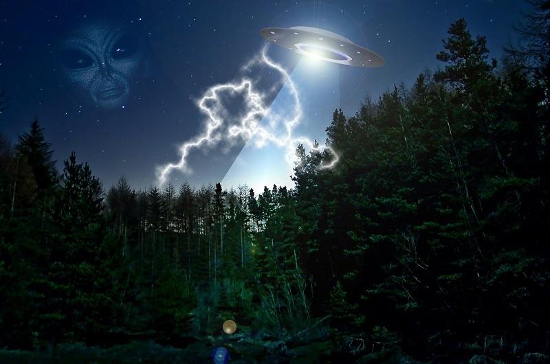 alien-609607_1280