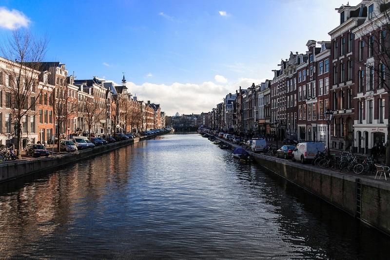 amsterdam-922263_1280