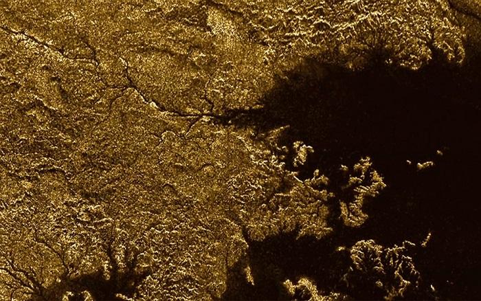 Каньоните на Титан Cassini/NASA