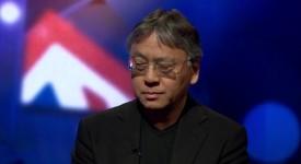 Писателят Казуо Ишигуро е роден в Япония, но израснал във Великобритания.