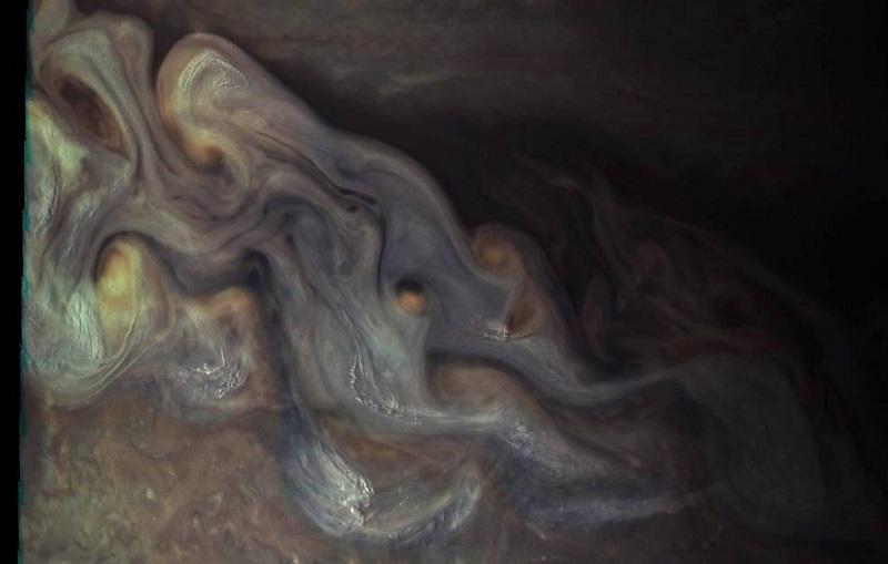 Облаците на Юпитер в близък план
