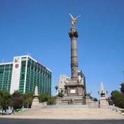 Ангелът на независимостта е известен монумент в Мексико Сити, една от забележителностите на града. Видео клипове, качени от потребители са записали люлеенето на монумента по времена земетресението от 8,2 по Рихтер.