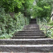 stairs-2661149_640