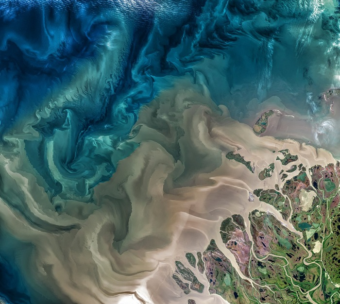 Реката Макензи в Канада. НАСА