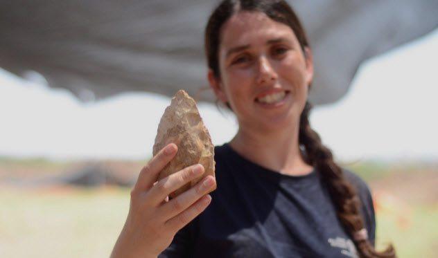 10a-stone-age-hand-axe