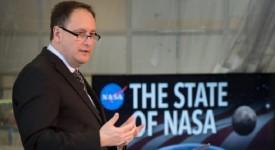 Робърт Лайтфуут от НАСА описва плановете на агенцията за Луната