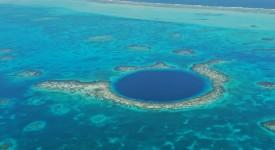 Синята дупка край бреговете на Белиз