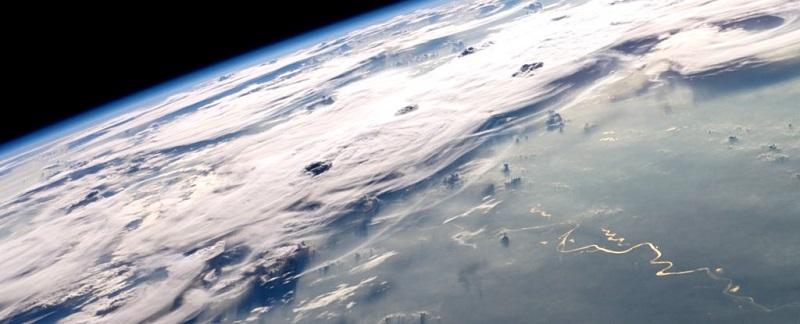 ISS-20_Thunderstorms_on_the_Brazilian_Horizon_1_1024