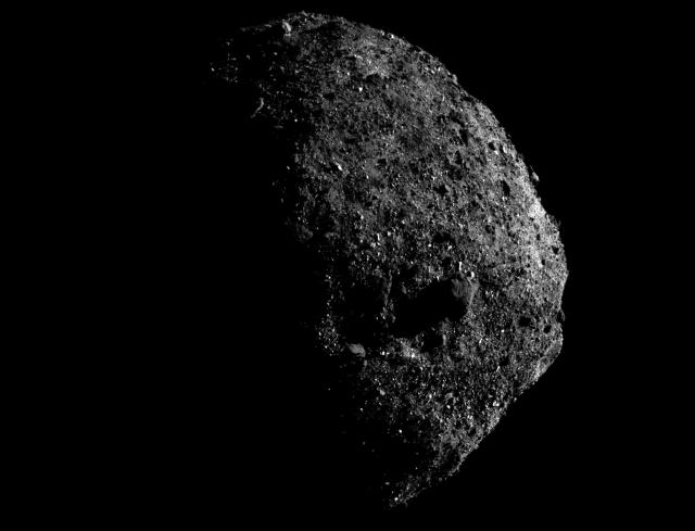 Повърхността на астероида Бену (Bennu)/NASA